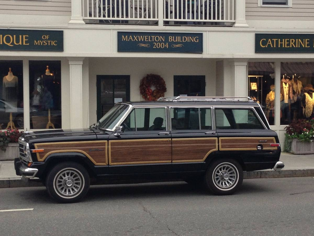 1989 Jeep Grand Wagoneer 5.9L V8 Auto For Sale in ...