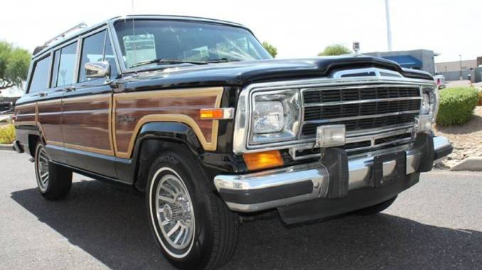 1988 Jeep Grand Wagoneer 5.9L V8 3spd For Sale in ...