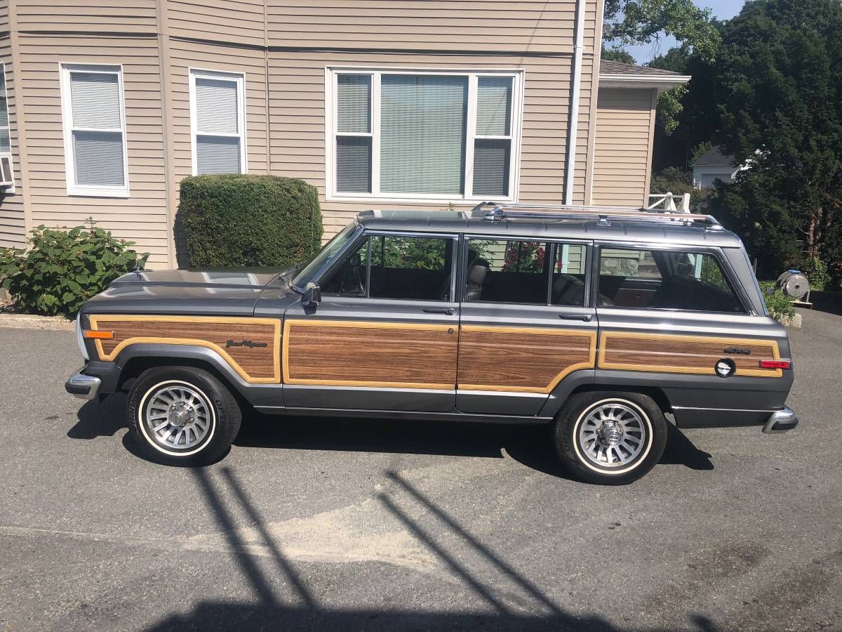 1989 Jeep Grand Wagoneer V8 Auto For Sale in Saugus ...