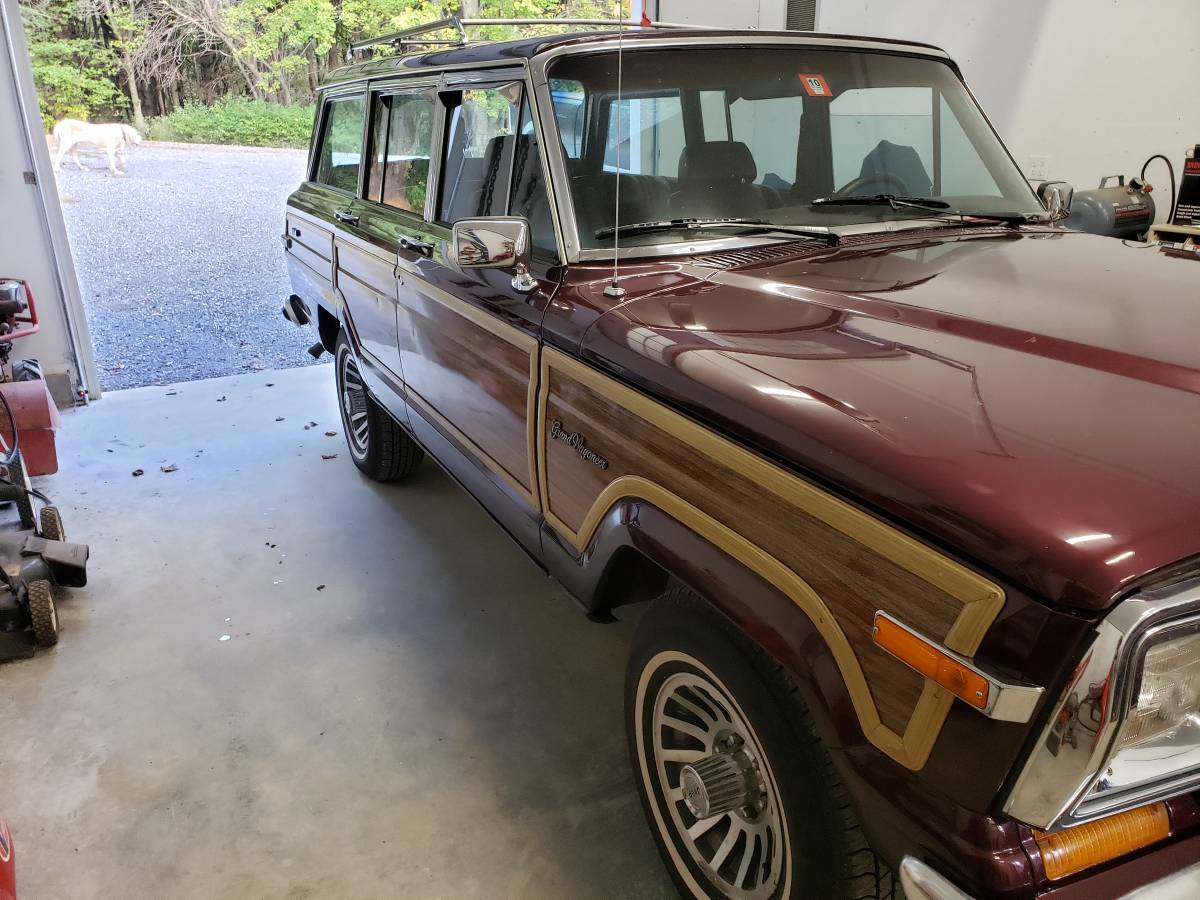 1991 Jeep Grand Wagoneer V8 Auto For Sale in New Haven ...