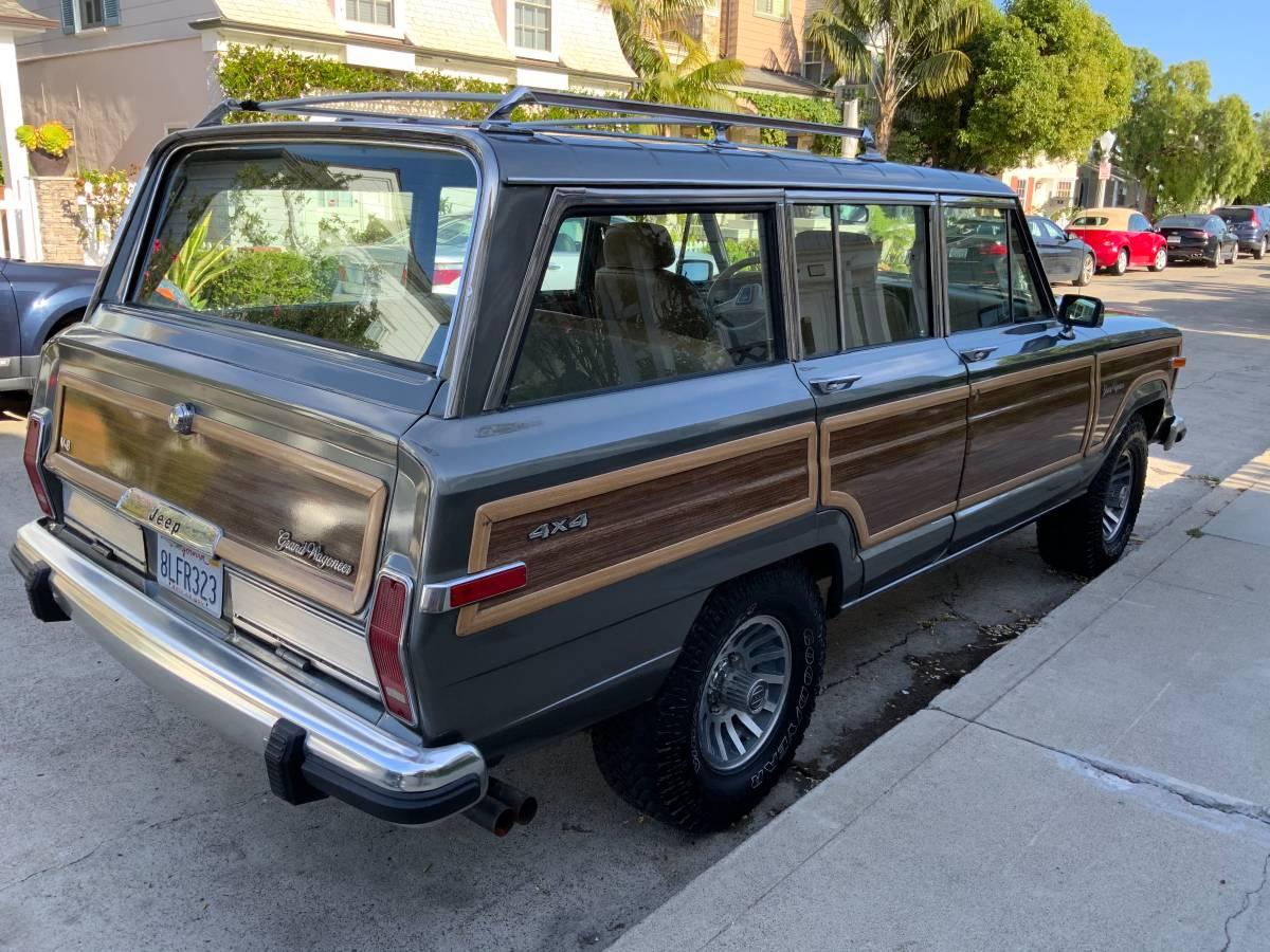 1987 Jeep Grand Wagoneer V8 Auto For Sale in Newport Beach, CA