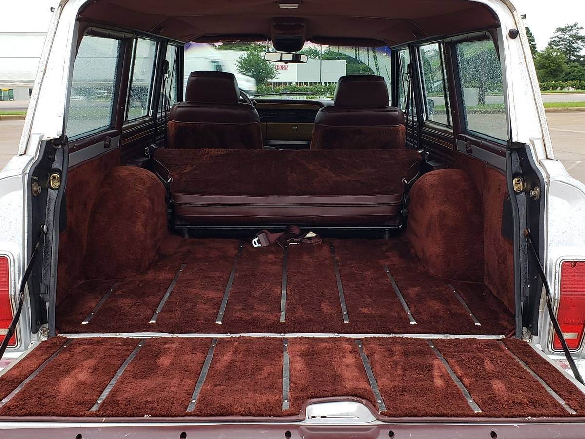 1990 Jeep Grand Wagoneer Silver For Sale in Tyler, Texas
