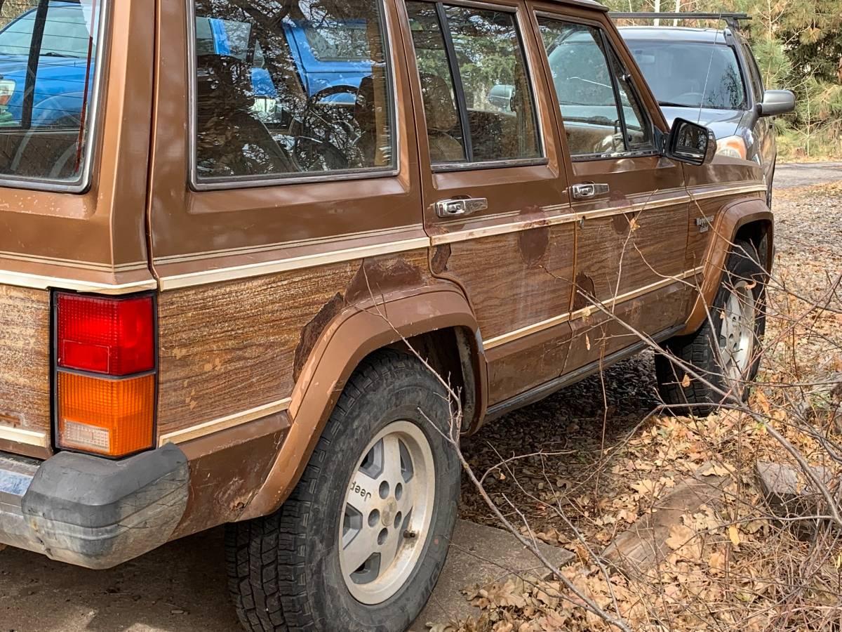 1985 Jeep Cherokee 6cyl Manual For Sale in Durango, Colorado