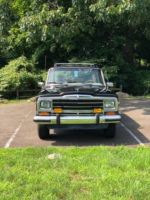 1990 Jeep Grand Wagoneer V8 Automatic For Sale in Darien, CT